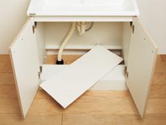 既存配管に合わせて配管が対応可能な底板点検口を採用